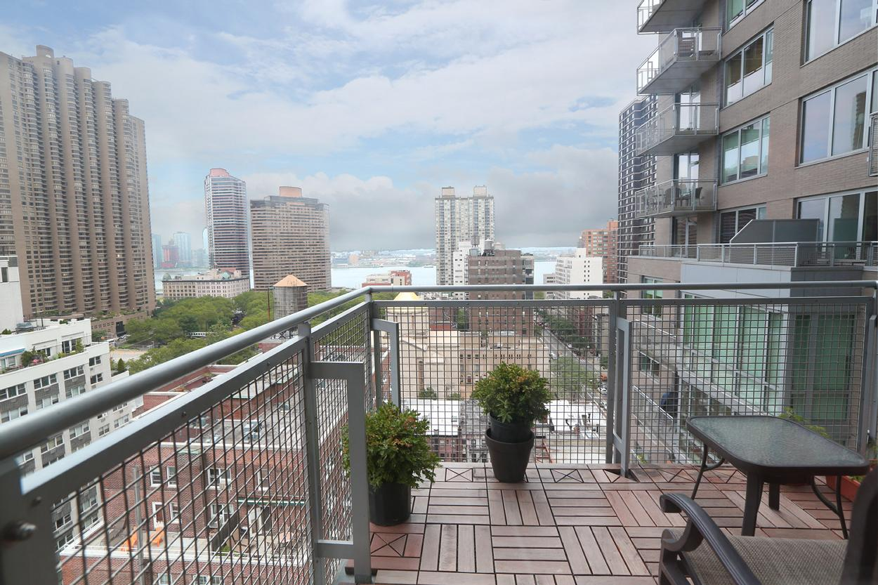 225 east 34th street 17b new york ny 10016 realdirect for New york balcony view