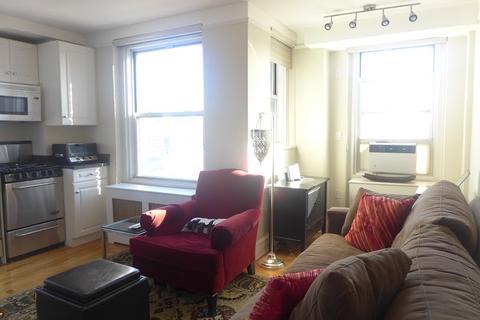 living room , alcove