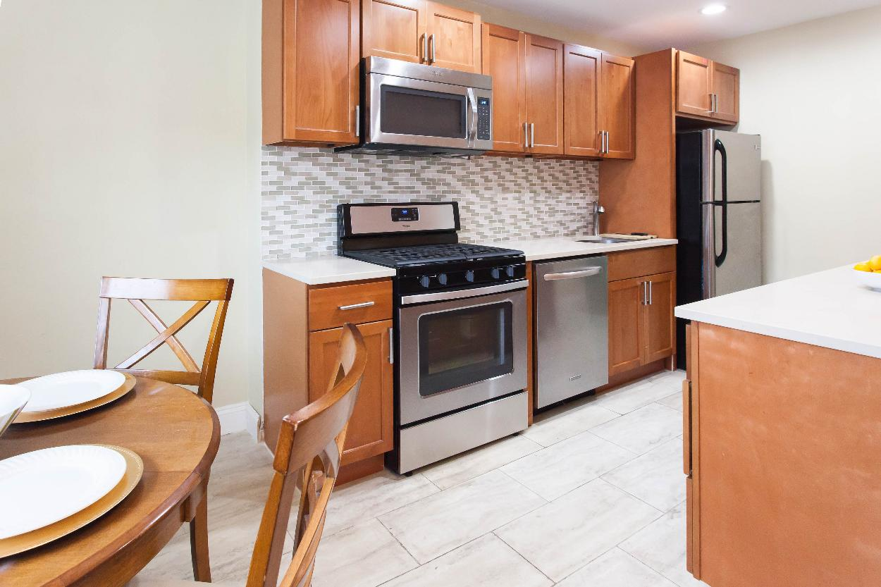 Kitchen cabinets 65th street brooklyn - First Floor Dining Area Kitchen With Stainless Steel Appliances Lots Of Counter