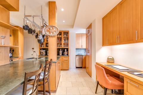Chef-Designed Eat-in Kitchen with Home Office