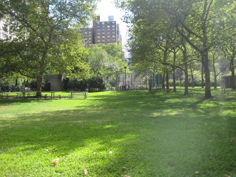 Private Yard (for Lincoln Towers Residents)