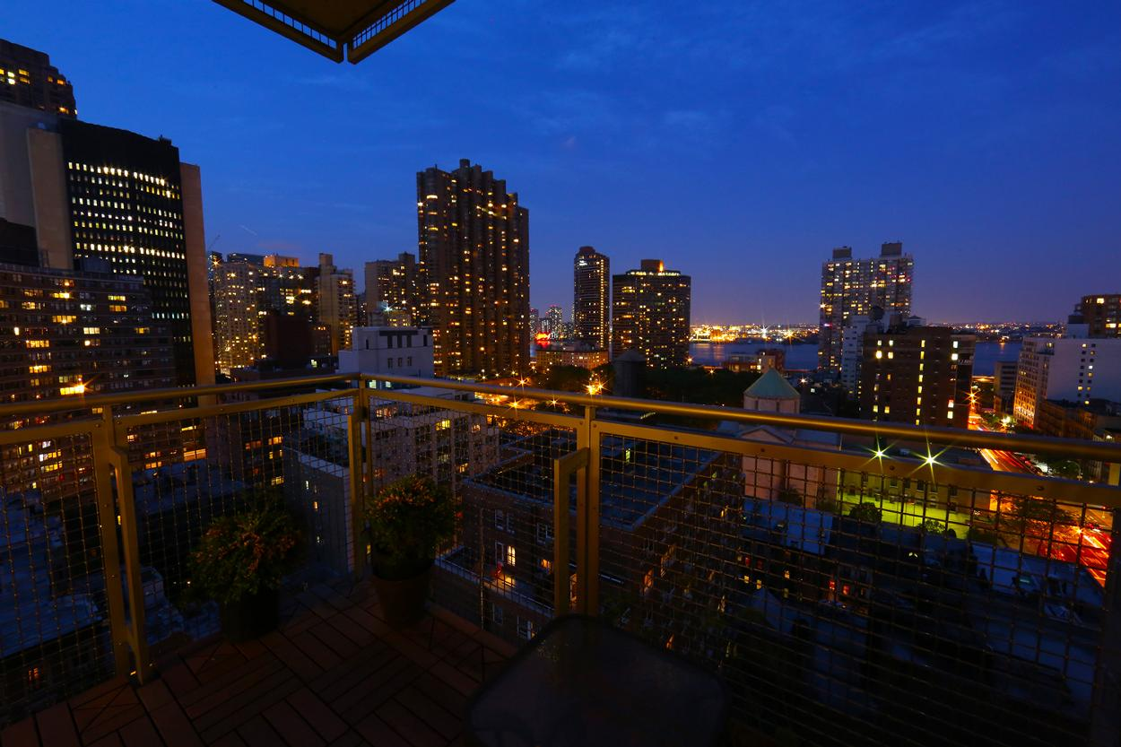225 east 34th street 17b new york ny 10016 realdirect for Balcony night view