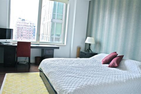 Master Bedroom Facing East River