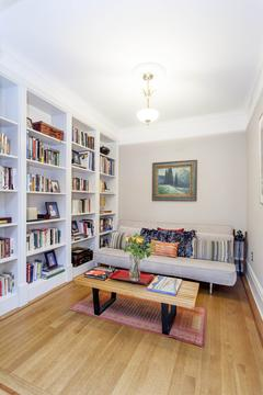 Library / sitting room.