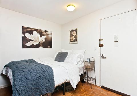 Bed alcove space
